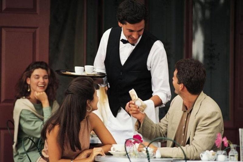Vai trò của nhân viên phục vụ nhà hàng là rất quan trọng